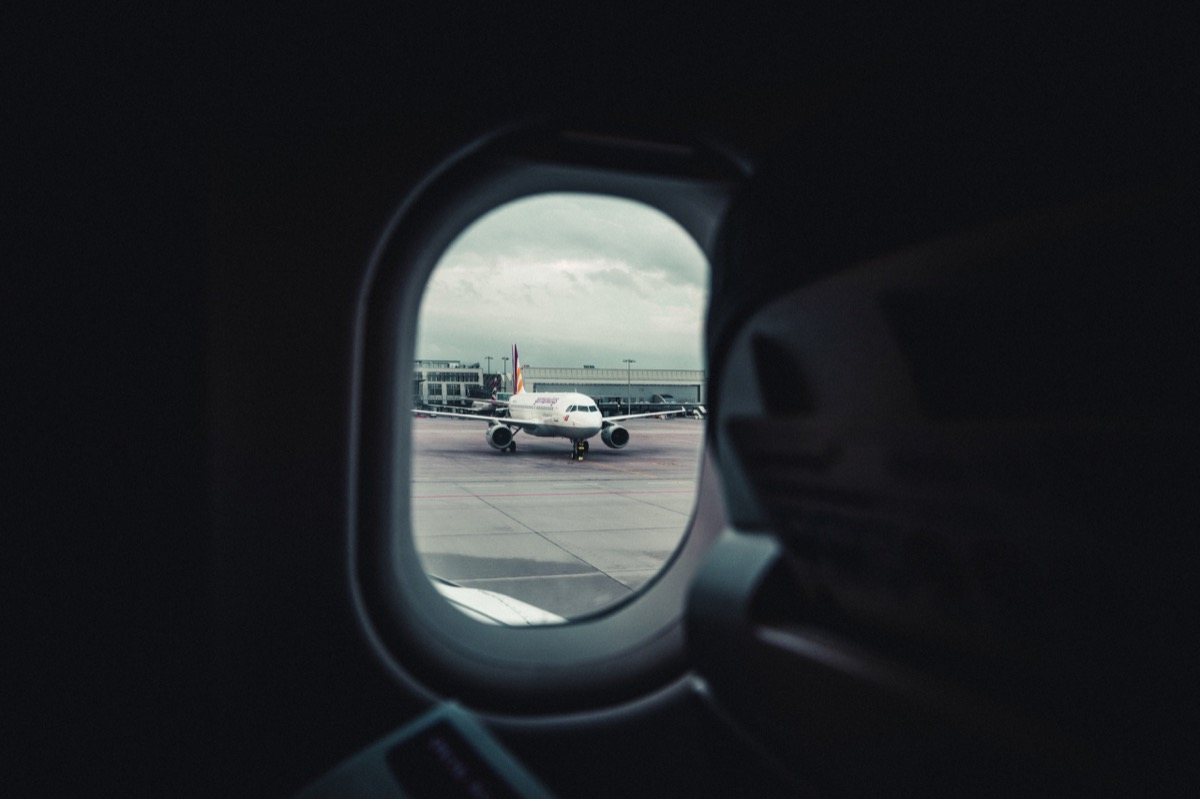 The difference between the expanding and rolling window in Pandas - Photo by Marc Schiele on Unsplash https://unsplash.com/@marcschiele?utm_source=medium&utm_medium=referral